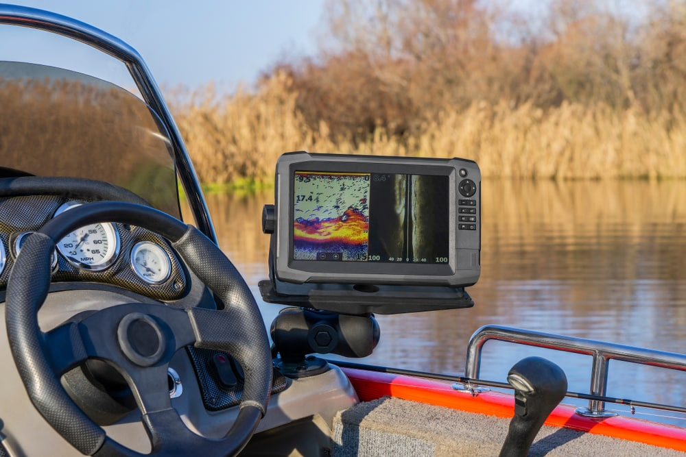 Best Fish Finder Reviews And Buying Guide - reviewedbest.com