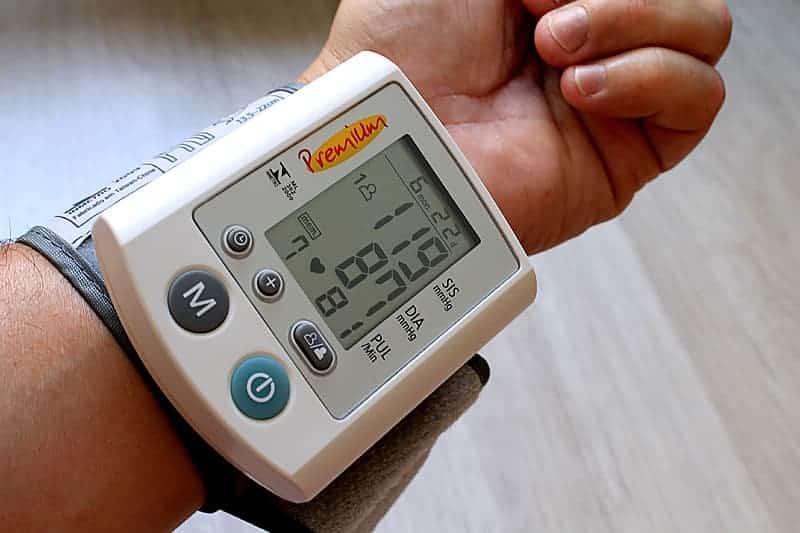 Top 10 Best Bluetooth Blood Pressure Monitors Reviews - reviewedbest.com