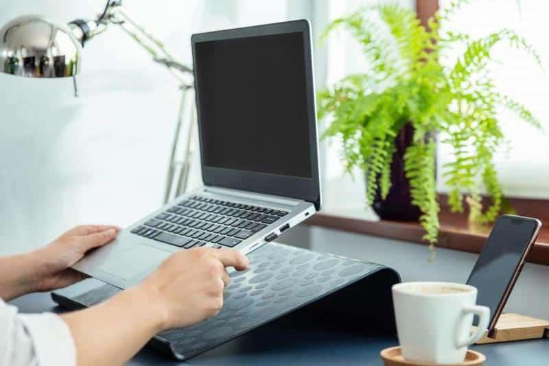 Best Portable Desks Buying Guide