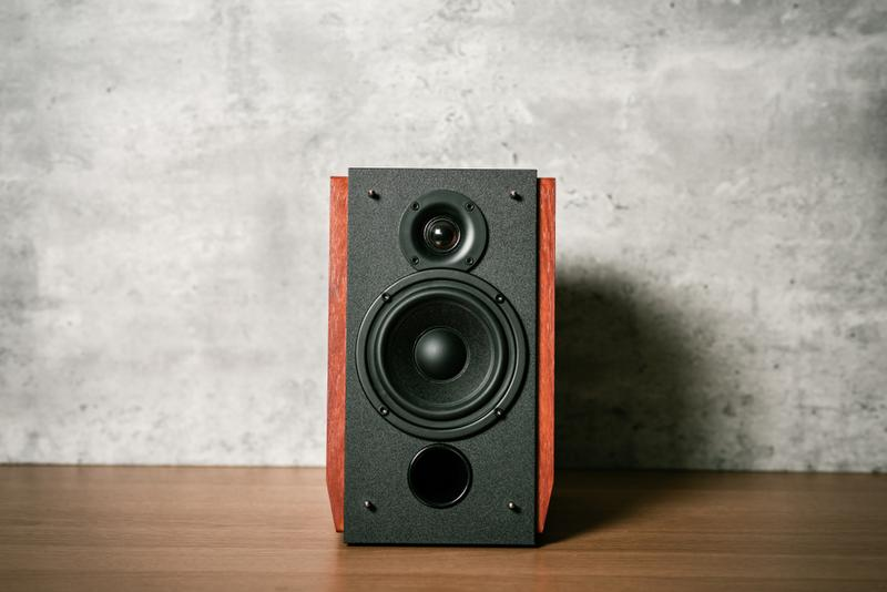 Top-Rated Best Bookshelf Speaker Under 1000 (Reviews) Available On Amazon