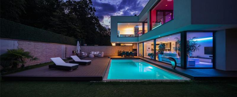 Buying Guide - Best Swimming Pool Lights.
